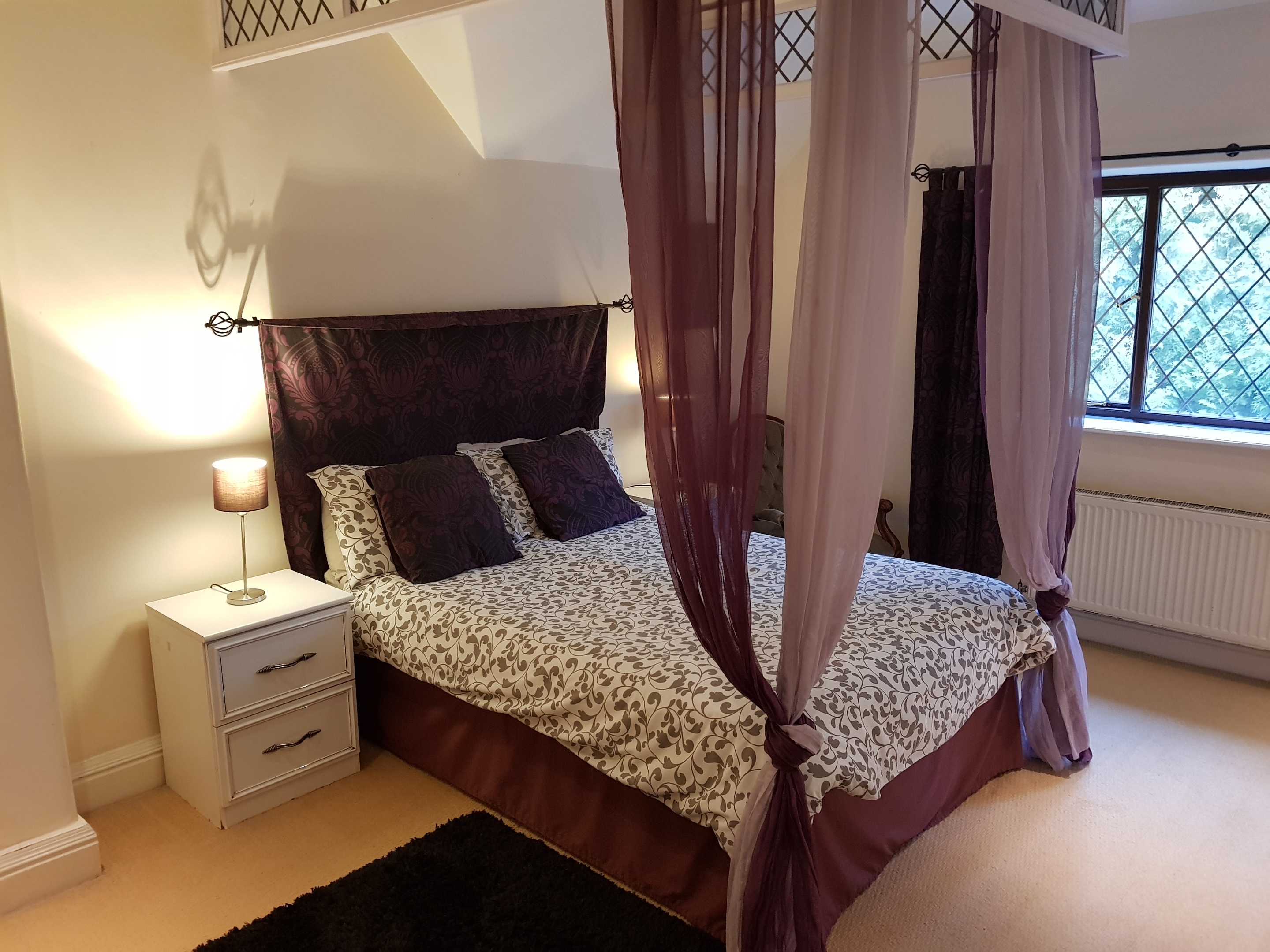 Master bedroom Deryshire selfcatering large group