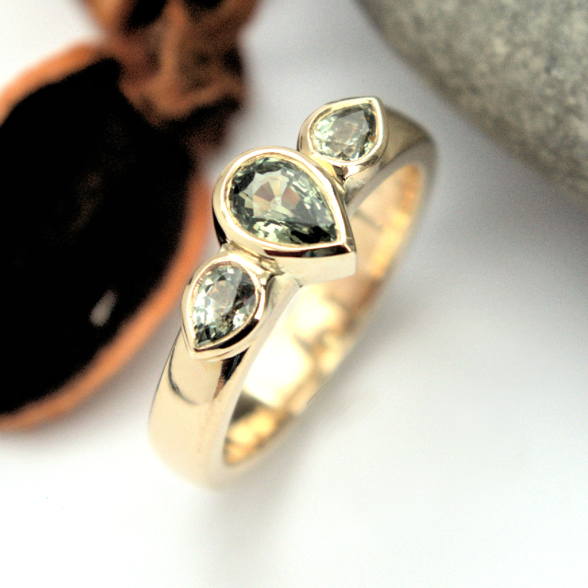 Green sapphire gold ring