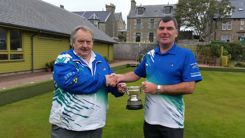 President Ewen MacRitchie presenting Men's 10 End trophy to Donald Campbell.
