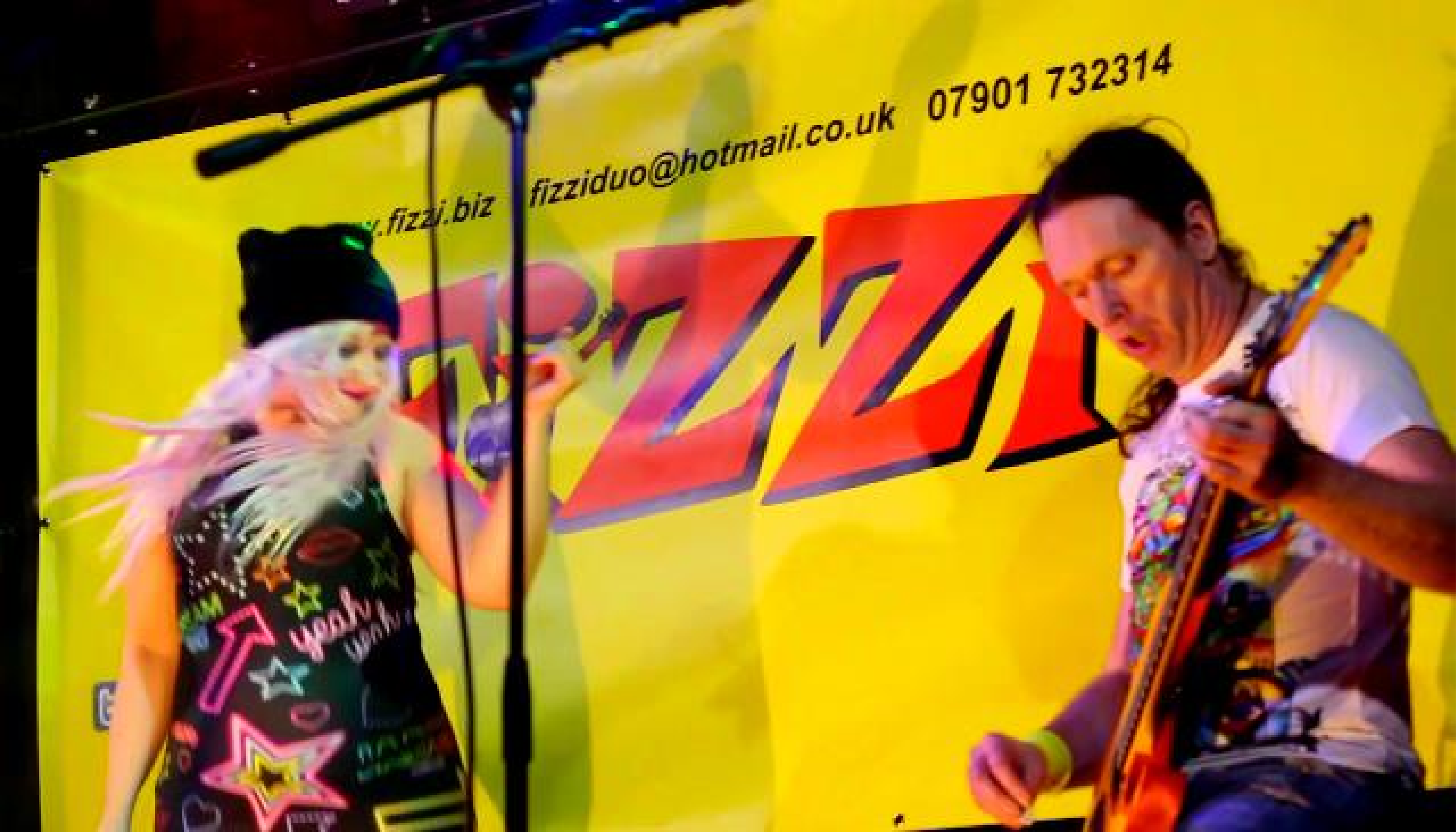 Fizzi Duo Rock Loer Lacon Holiday Park fun lively party band