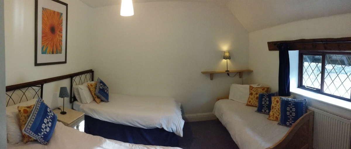 Hope valley group accommodation bedroom