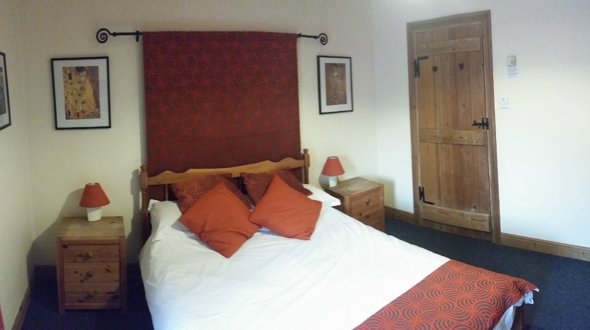 upstairs bedroom double in the derbyshire dales