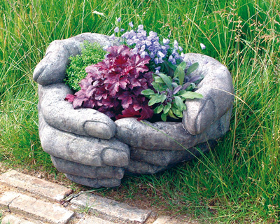 STONE GARDEN CUPPED HANDS