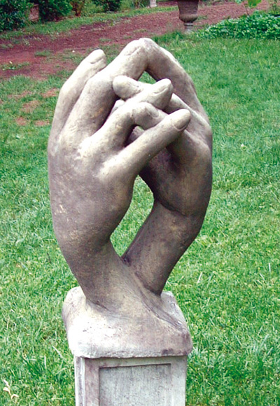 STONE GARDEN ENTWINED HANDS