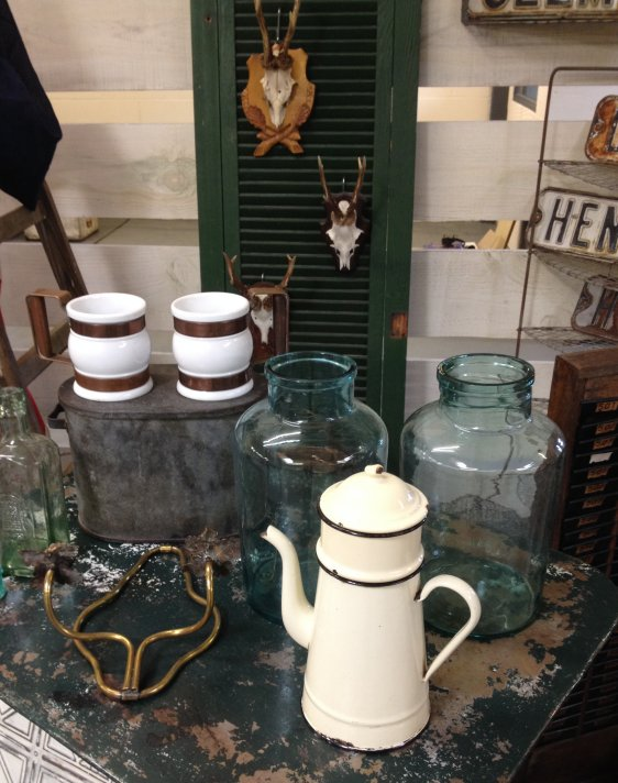 buy sell antiques collectables