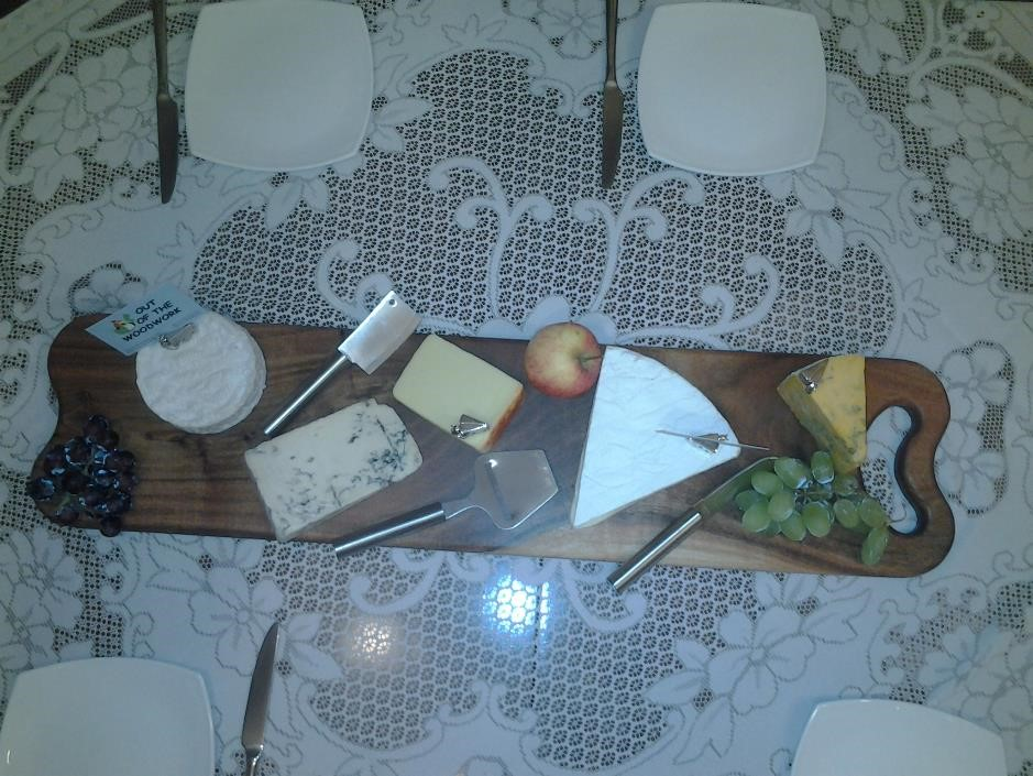 wooden,cheese,board