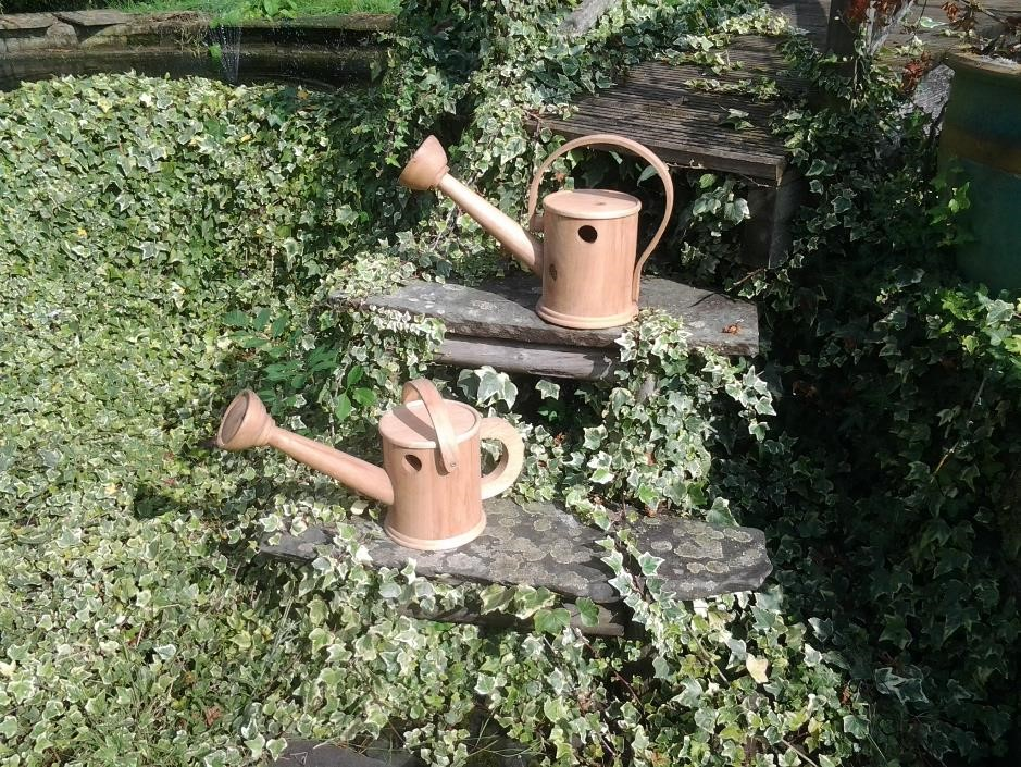 watering cans,bird box