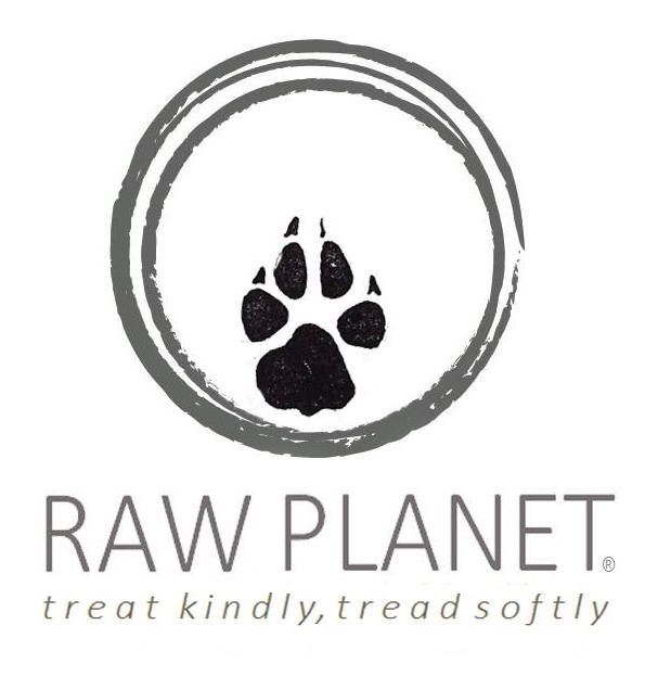 Eco-friendly dog deli selling ethically sourced and lovingly handmade raw food, supplements, beds, toys, herbs & healthcare products. Welcoming high street shop with nutrition advice and mail order available.