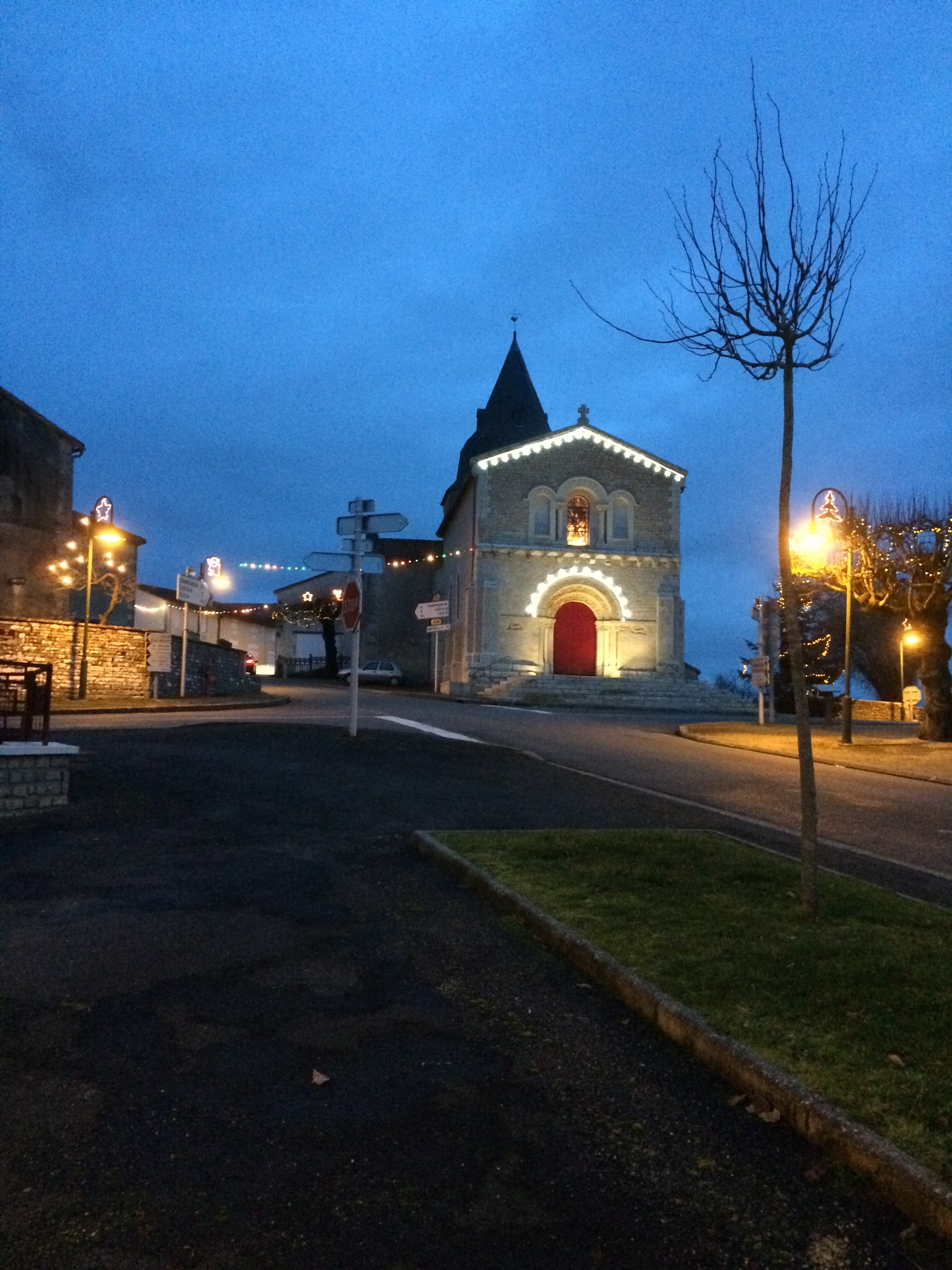 Genouillé Church at Christmas