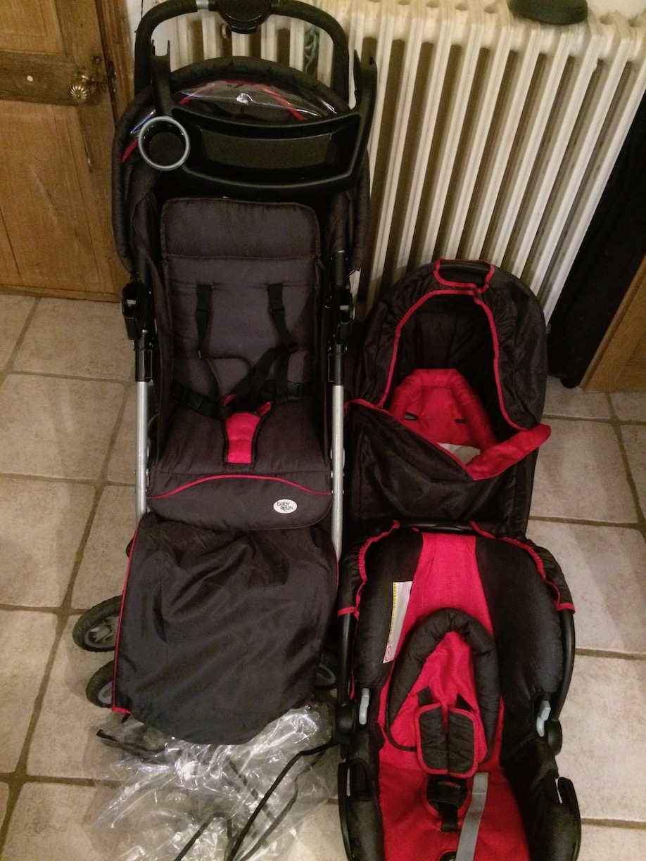 Combination pushchair and car set