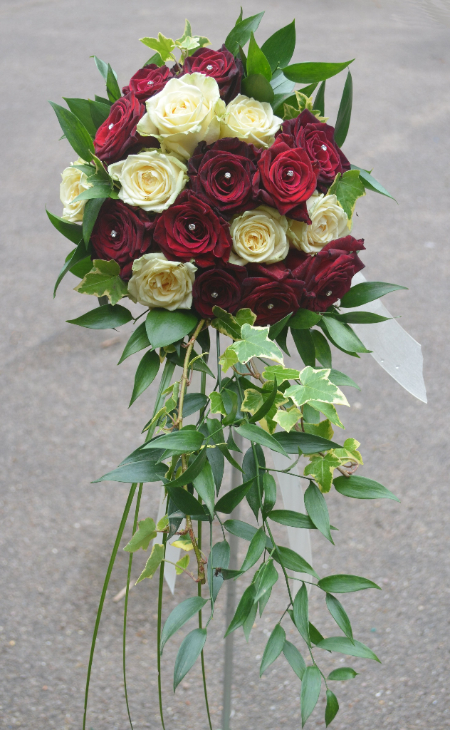 Tied Bouquet with front trail