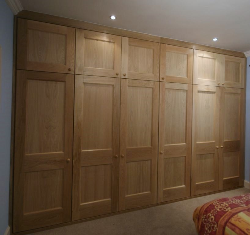 Fitted oak wardrobe