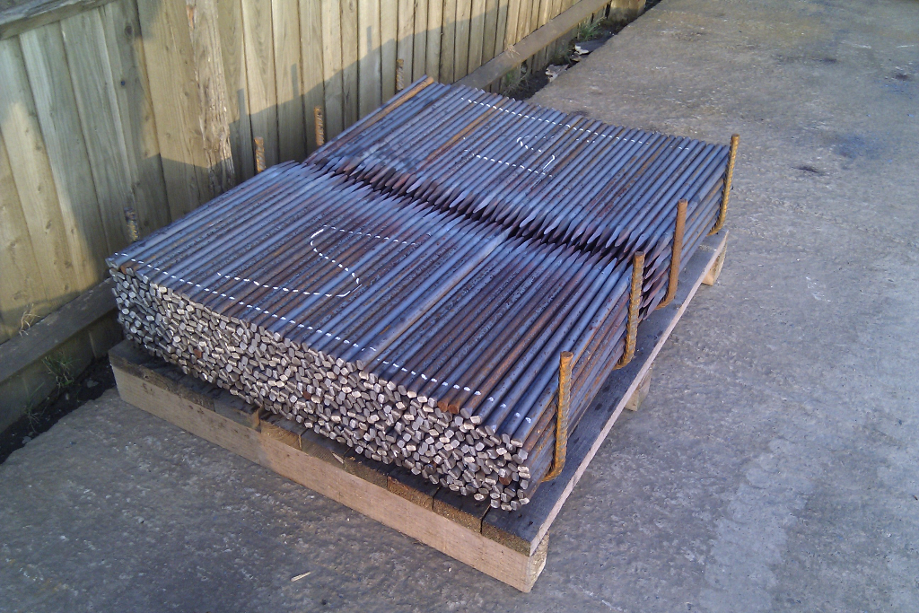 Steel Grade Stakes : Fencing pointed steel stakes uk manufacturer