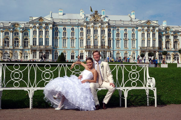 77-bride-at-palace.jpg