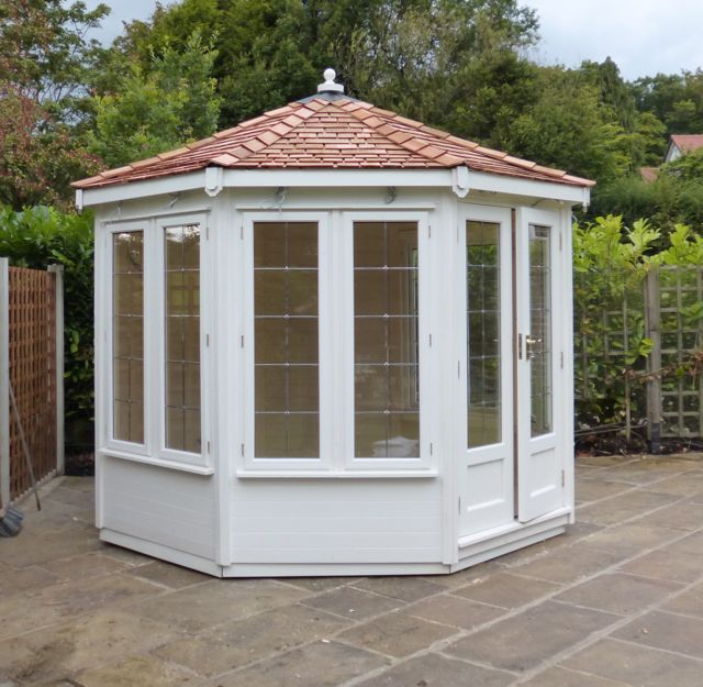WESTERN RED CEDAR PAINTED SUMMERHOUSE