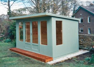 CONTEMPORARY SEAGRASS SUMMERHOUSE