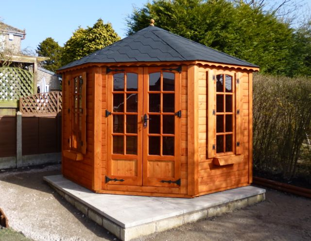 ICORNER SUMMERHOUSE IN NATURAL