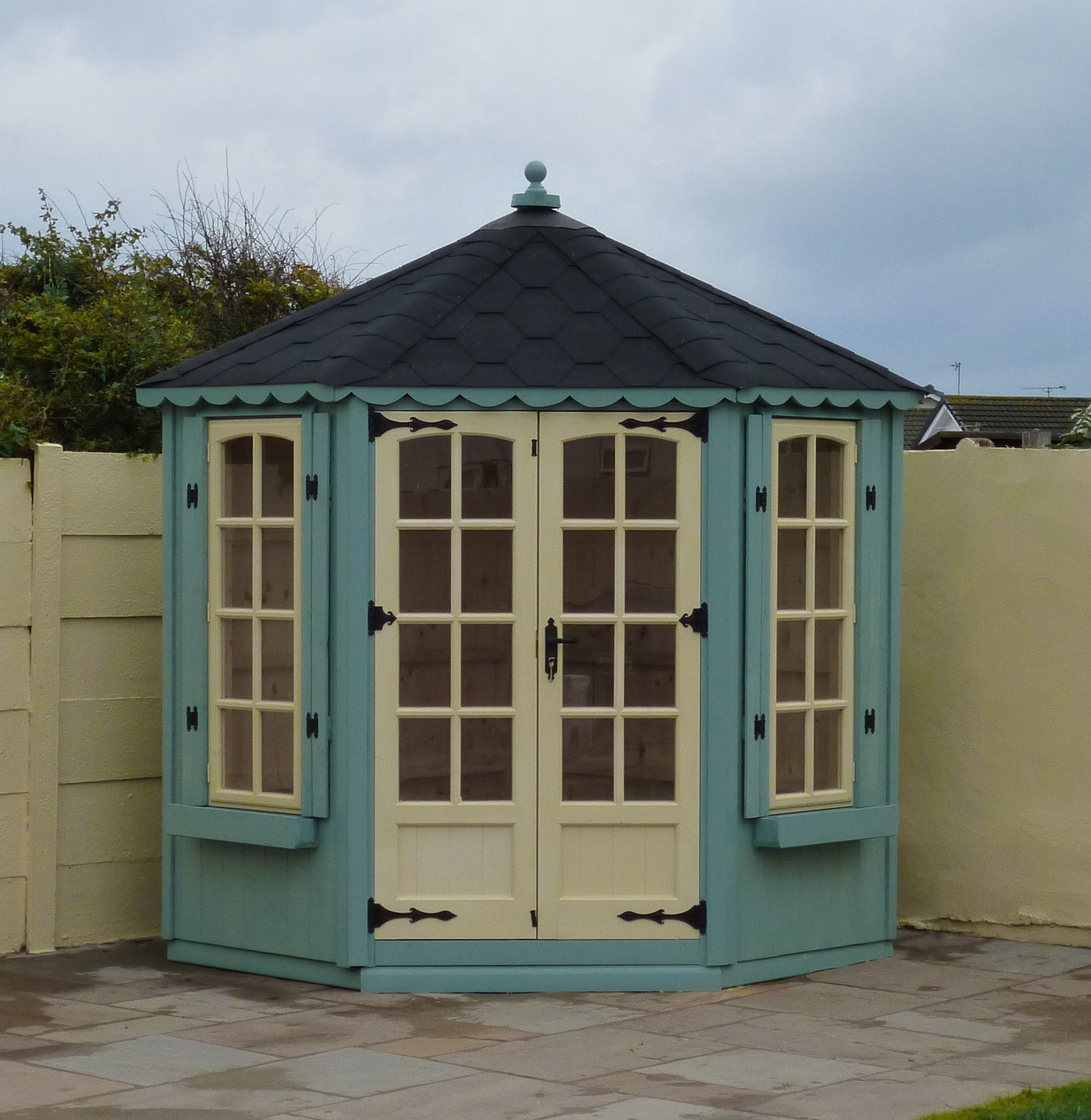 6 x 6 seagrass and cream CornerSummerhouse