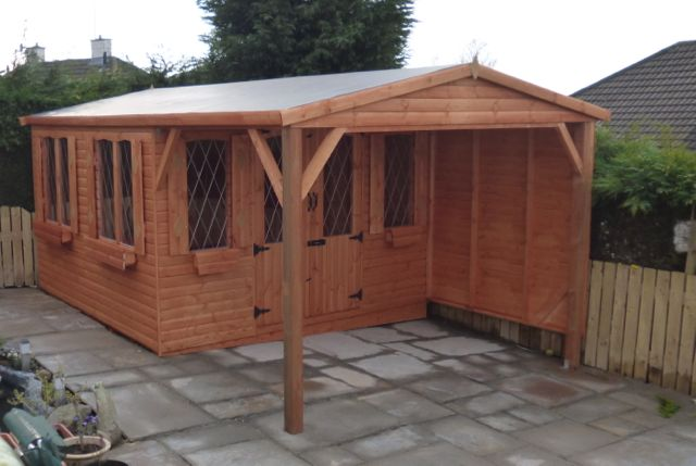 SWALLOW SUMMERHOUSE FOR HOT TUB