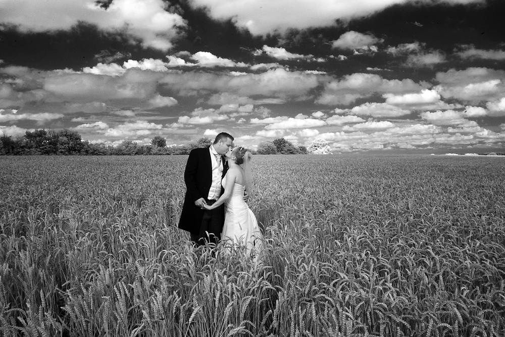 Hertfordshire wedding photographer/eternal dreams