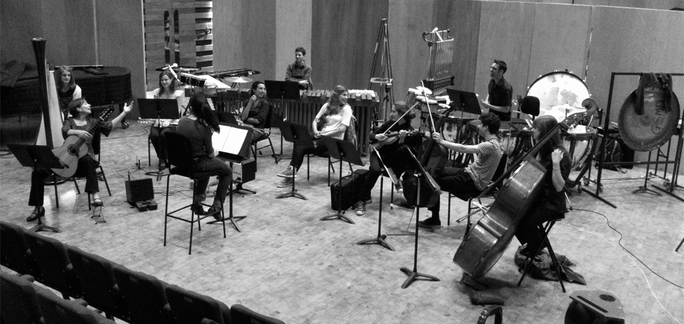 Ensemble rehearsal for the UK Premier of Contra-xions, by Feliu Gasull