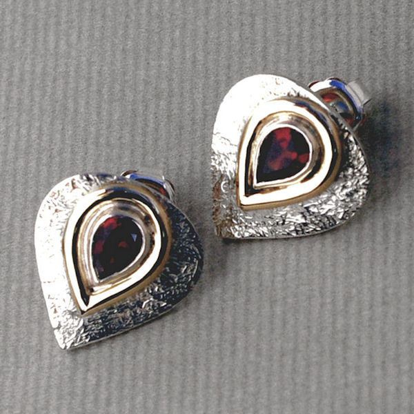 Pear garnet stud earrings