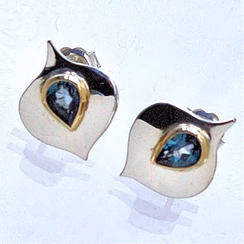 Blue Top Stud earrings