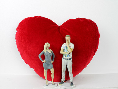 3D printed couple with heart