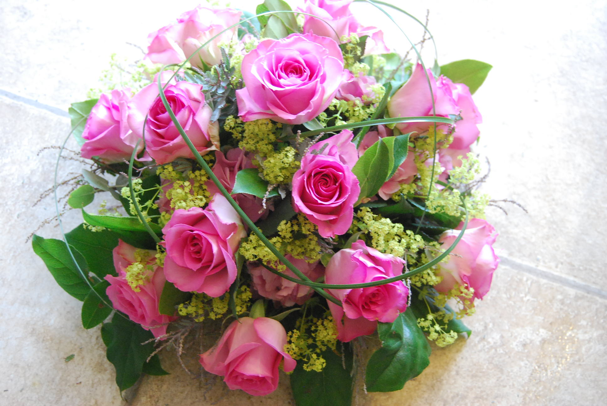 A review of commemorative flowers particular anniversary gifts funeral flower izmirmasajfo